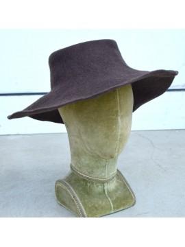 Chapeau feutre, coloris marron