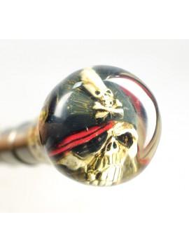 Stöckchen mit Totenkopf in Kugel